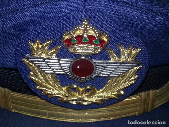 Militaria: ANTIGUO UNIFORME MILITAR COMANDANTE EJERCITO DEL AIRE EPOCA FRANCO CON GORRA CINTURON CHAQUETON - Foto 3 - 95225851