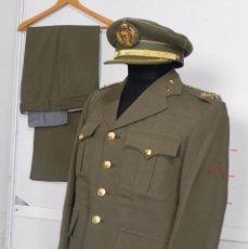 Militaria: ANTIGUO UNIFORME DE GENERAL DEL ESTADO MAYOR, ARMA DE ARTILLERIA, CON ANGULO DE HERIDO, LLEVA CHAQUE. Lote 97579859