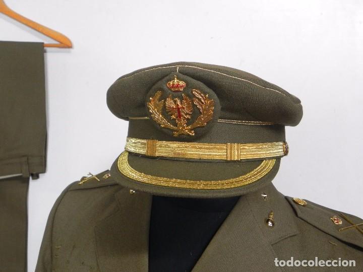 Militaria: ANTIGUO UNIFORME DE GENERAL DEL ESTADO MAYOR, ARMA DE ARTILLERIA, CON ANGULO DE HERIDO, LLEVA CHAQUE - Foto 4 - 97579859