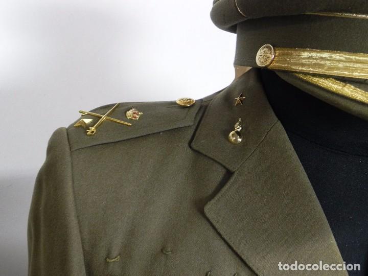 Militaria: ANTIGUO UNIFORME DE GENERAL DEL ESTADO MAYOR, ARMA DE ARTILLERIA, CON ANGULO DE HERIDO, LLEVA CHAQUE - Foto 6 - 97579859