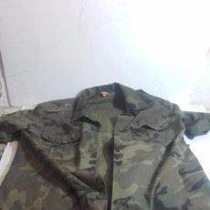 Militaria: CAMISA DE CAMUFLAJE DEL EJERCITO ESPAÑOL, MANGA CORTA. Lote 105199367