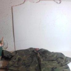 Militaria: CAMISA DE CAMUFLAJE DEL EJERCITO ESPAÑOL, MANGA CORTA. Lote 105199607