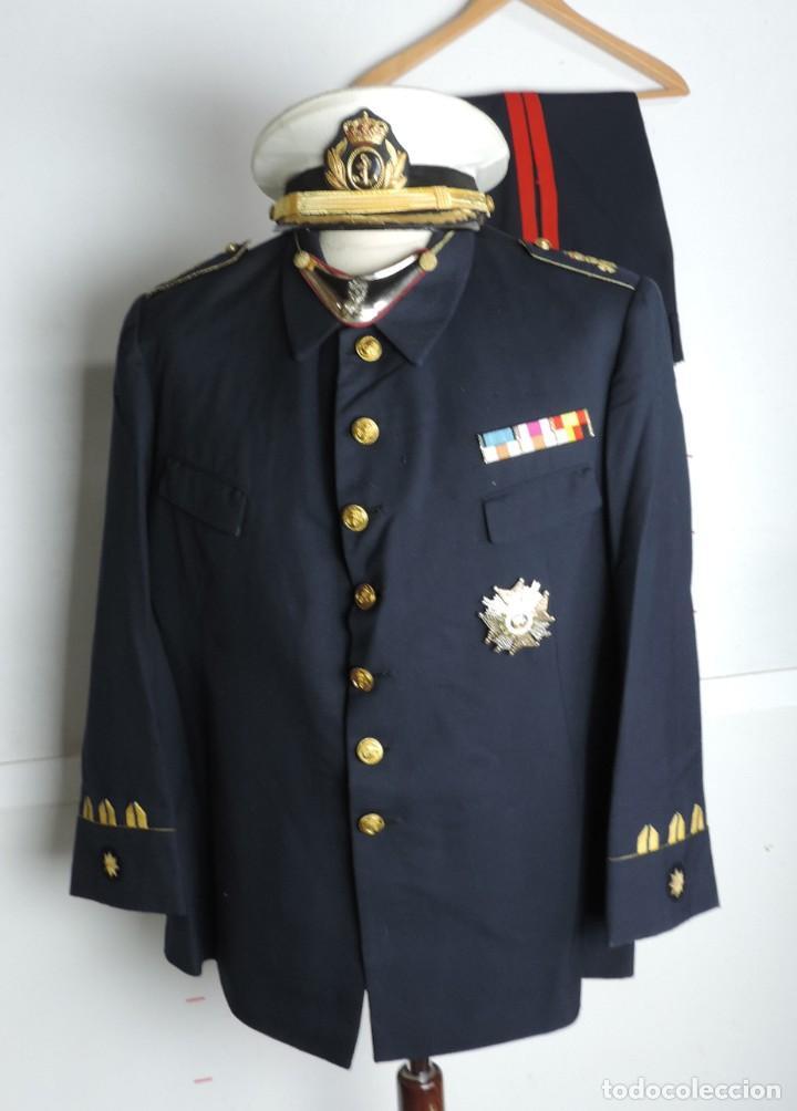 Militaria: Uniforme de comandante de Infantería de marina, Chaqueta, Gola, cinturon, gorra, pantalón, placa de - Foto 2 - 110193351
