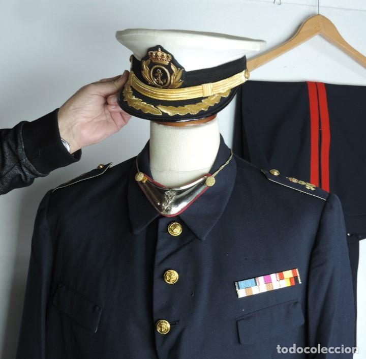 Militaria: Uniforme de comandante de Infantería de marina, Chaqueta, Gola, cinturon, gorra, pantalón, placa de - Foto 5 - 110193351