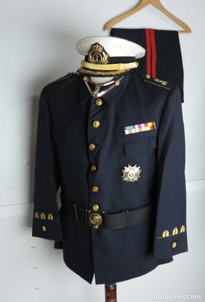 Militaria: Uniforme de comandante de Infantería de marina, Chaqueta, Gola, cinturon, gorra, pantalón, placa de - Foto 16 - 110193351