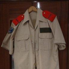 Militaria: UNIFORME DE VERANO DE REGULARES 52 DE MELILLA. Lote 203352253