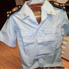 Militaria: CAMISA DE CAPITÁN DE LA BRIGADA PARACAIDISTA. Lote 114574923