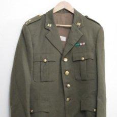 Militaria: TRAJE DE OFICIAL EJERCITO ESPAÑOL - GUERRERA - PANTALON - CAMISA - CORBATA - GORRA - CORREAJE...... Lote 116247411