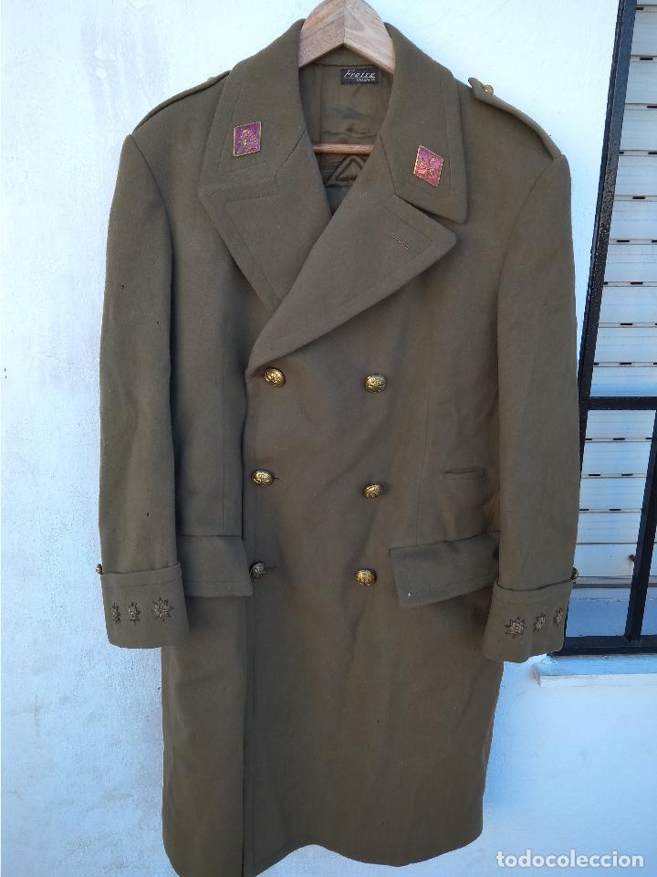 ABRIGO DE CAPITÁN DE CABALLERÍA ÉPOCA DE FRANCO (Militar - Uniformes Españoles )