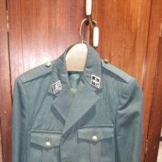 Militaria: ANTIGUO UNIFORME DE LA GUARDIA CIVIL AÑOS 80 GUERRERA Y PANTALÓN. Lote 190694600