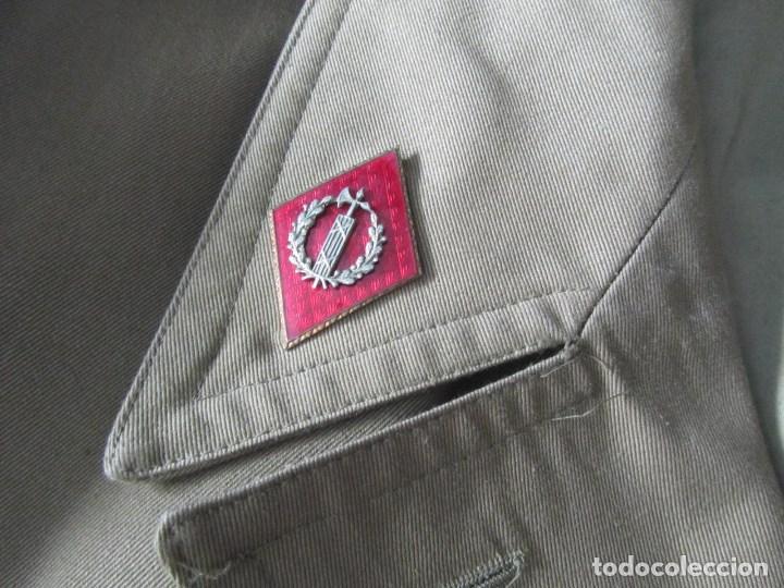 Militaria: Gabardina de Capitán Judicial Ejército de Tierra - Foto 5 - 119468415