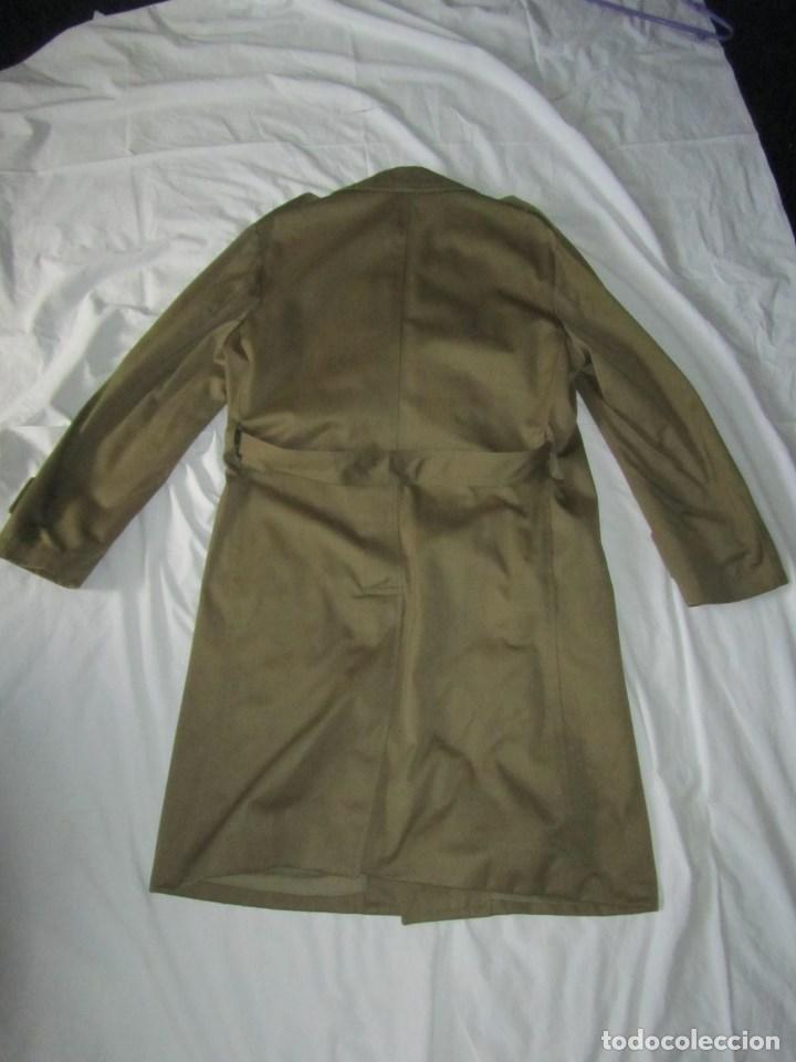Militaria: Gabardina de Capitán Judicial Ejército de Tierra - Foto 11 - 119468415