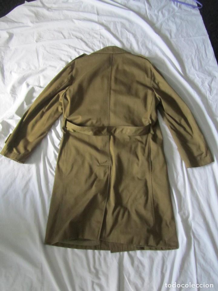 Militaria: Gabardina de Capitán Judicial Ejército de Tierra - Foto 12 - 119468415