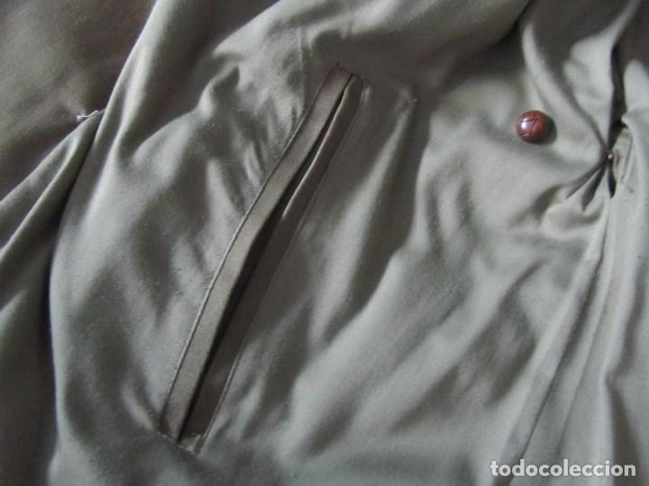 Militaria: Gabardina de Capitán Judicial Ejército de Tierra - Foto 19 - 119468415