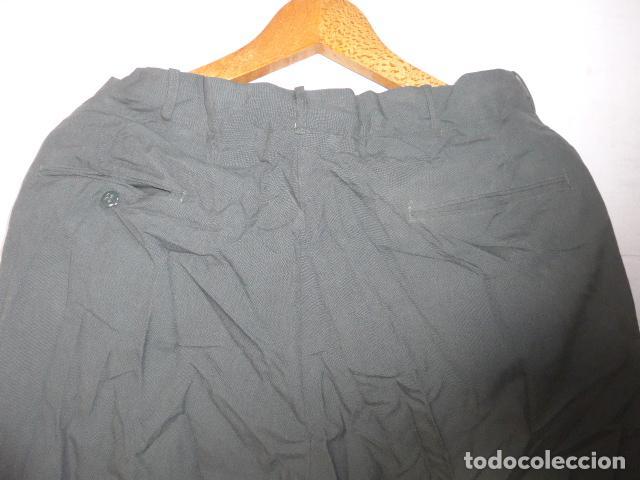 Militaria: Antiguo pantalon recto a identificar, color tipo guardia civil. Original, pantalones. - Foto 6 - 123506815