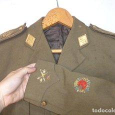 Militaria: ANTIGUA GUERRERA DE GENERAL DE DIVISION, CON COLECTIVA BRIGADAS NAVARRAS, GUERRA CIVIL, CON NOMBRE. Lote 124615343