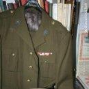 Militaria: TRAJE DE BONITO Y ABRIGO EJÉRCITO DE TIERRA EPOCA DE FRANCO. GALONES Y COMPLEMENTOS.. Lote 133050866