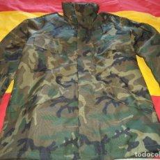 Militaria: CHAQUETON IMPERMEABLE BOSCOSO E.T TALLA 2. Lote 134062742