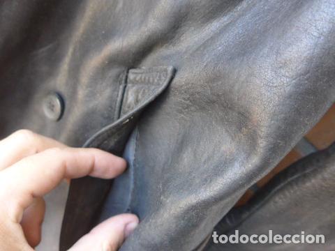 Militaria: * Antiguo abrigo o chaqueta de cuero militar, de guerra civil, con su cinturon, original. ZX - Foto 9 - 134815602