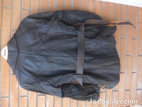 Militaria: * Antiguo abrigo o chaqueta de cuero militar, de guerra civil, con su cinturon, original. ZX - Foto 15 - 134815602