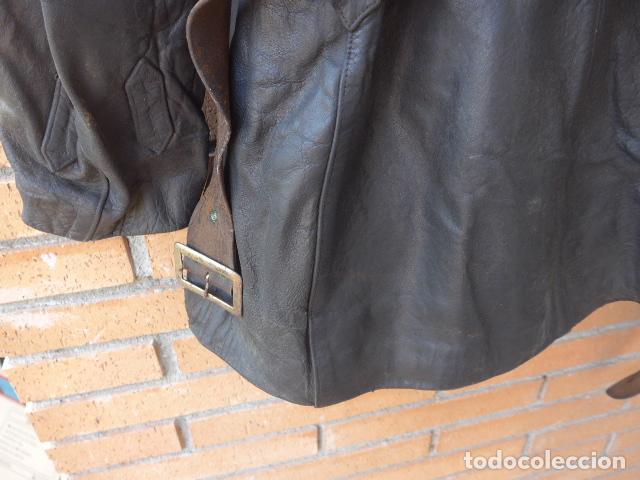 Militaria: * Antiguo abrigo o chaqueta de cuero militar, de guerra civil, con su cinturon, original. ZX - Foto 18 - 134815602