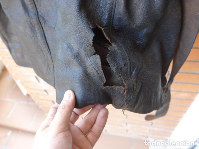 Militaria: * Antiguo abrigo o chaqueta de cuero militar, de guerra civil, con su cinturon, original. ZX - Foto 19 - 134815602
