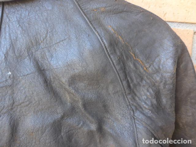 Militaria: * Antiguo abrigo o chaqueta de cuero militar, de guerra civil, con su cinturon, original. ZX - Foto 20 - 134815602