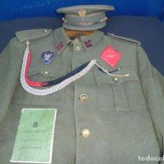 Militaria: UNIFORME DE ALFEREZ COMPLETO GRAL. FRANCO. Lote 135454982