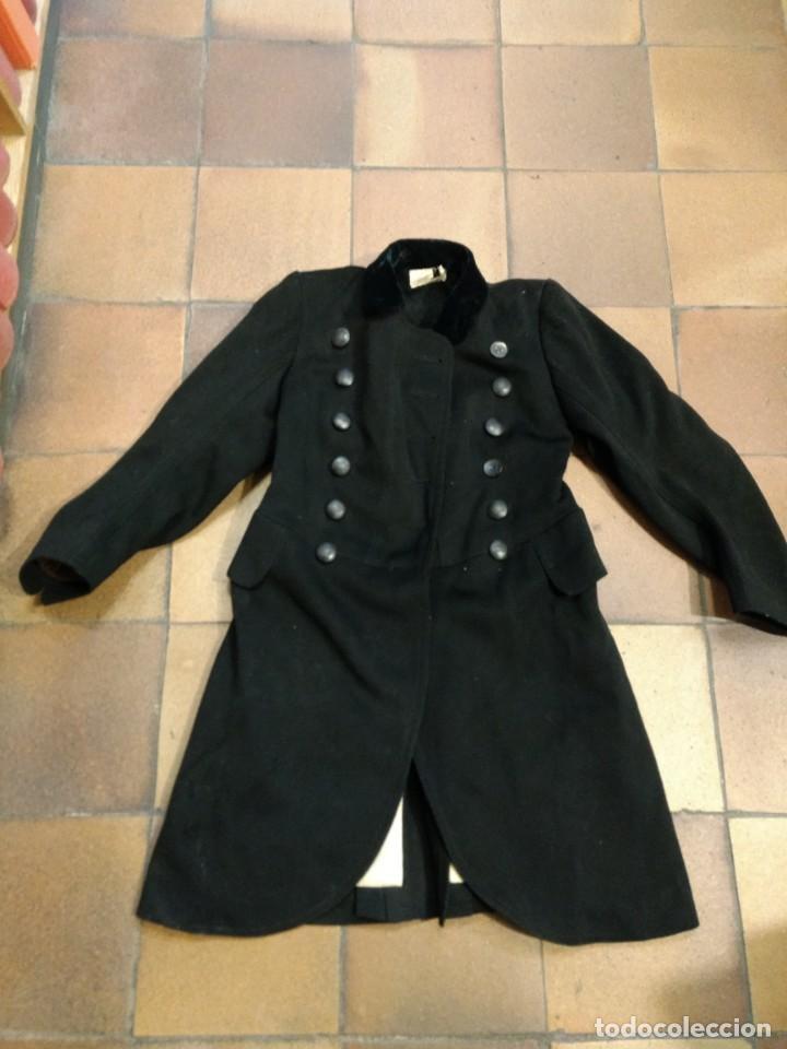 Abrigo con botones de Conde o nobleza Militar ???, usado segunda mano