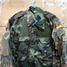 Militaria: UNIFORME ACOLCHADO BOSCOSO PARA FRÍO AÑO 2002 T-4N. Lote 147472194