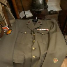 Militaria: GUERRERA DE TTE CORONEL CON ESCUDO DIVISION AZUL Y COLECTIVA. Lote 147907290