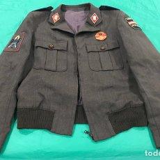 Militaria: GUERRERA MARRÓN POLICÍA NACIONAL PATRULLAS URBANAS. Lote 150739888