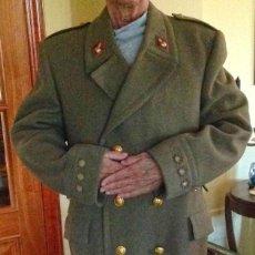 Militaria: ABRIGO MILITAR DE CORONEL DE ARTILLERÍA, AÑOS 60. IMPECABLE. Lote 152835098