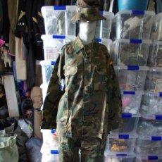 Militaria: UNIFORME MILITAR NUEVO EJERCITO ESPAÑOL CHAQUETA ,PANTALON Y CHAMBERGO. Lote 158536538