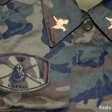Militaria: LOTE MILITAR: CAMISOLA,GORRA,CINTURON Y CARTUCHERA GRUPO LOGISTICO EJERCITO DE TIERRA. Lote 158617802