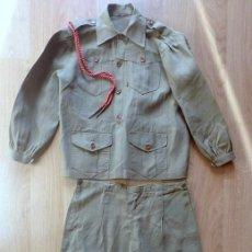 Militaria: (JX-190429)ANTIGUO UNIFORME MILITAR DE NIÑO ,COMPUESTO DE CHAQUETA, PANTALÓN Y POLAINAS .. Lote 158882538