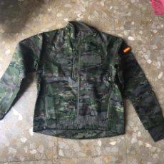Militaria: FORRO POLAR WOODLAND PIXELADO EJERCITO ESPAÑOL, TALLA S. Lote 167989744