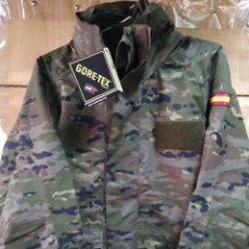 Militaria: CHAQUETÓN GORE-TEX PIXELADO BOSCOSO CON POLAR DESMONTABLE T-XS NUEVO. Lote 170547561
