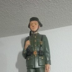 Militaria: PRECIOSO GUARDIA CIVIL EN MADERA. GRAN TAMAÑO. Lote 170947625