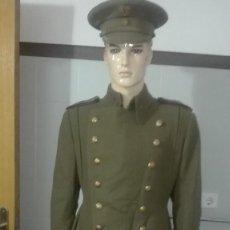 Militaria: CAPOTE COMANDANTE MODELO 41 Y GORRA . Lote 171975013