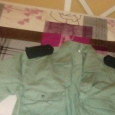 Militaria: G-CUA82 CAMISA VERDE MANGA LARGA GUARDIA CIVIL NO APARECE LA TALLA. Lote 173678644