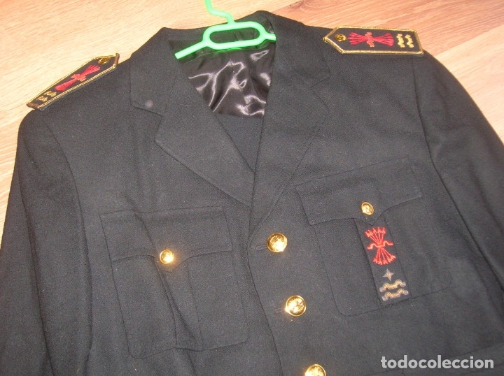 Militaria: RARO UNIFORME DE ALTO JERARCA FALANGISTA DEL MOVIMIENTO. FALANGE. LUCERO Y DOS YUGOS. - Foto 9 - 176083578
