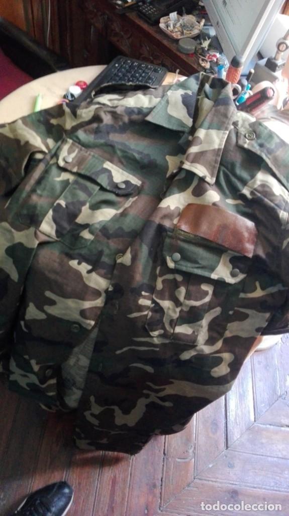 Militaria: 2 camisas y pantalon ejercito español ver talla en fotos - Foto 2 - 195334525