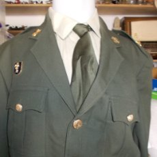 Militaria: UNIFORME MEDICO COMANDANTE CHAQUETA CAMISA CORBATA. Lote 179132651