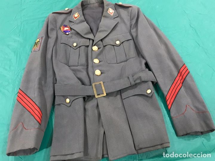 Militaria: GUERRERA POLICÍA ARMADA CON PLACA DE PECHO BANDERA MÓVIL - Foto 2 - 180896406