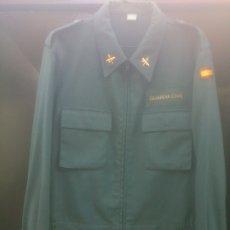 Militaria: CHAQUETA CAZADORA DE SERVICIO GUARDIA CIVIL. Lote 181121357