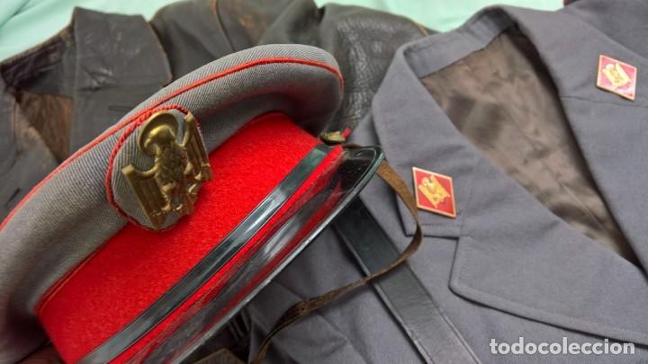 Militaria: policia armada..guerrera , gorra ,correajes , chaqueton ....epoca franco. - Foto 4 - 49637851