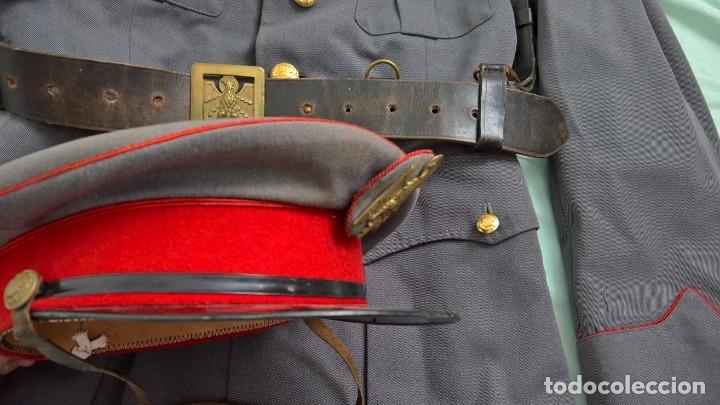 Militaria: policia armada..guerrera , gorra ,correajes , chaqueton ....epoca franco. - Foto 7 - 49637851