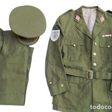 Militaria: UNIFORME COMANDANTE AÑOS 70. Lote 182290948