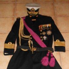 Militaria: UNIFORME DE GALA CAPITÁN NAVÍO FRANCO. LEVITA. TODO MENOS LAS CONDECORACIONES. Lote 182612157